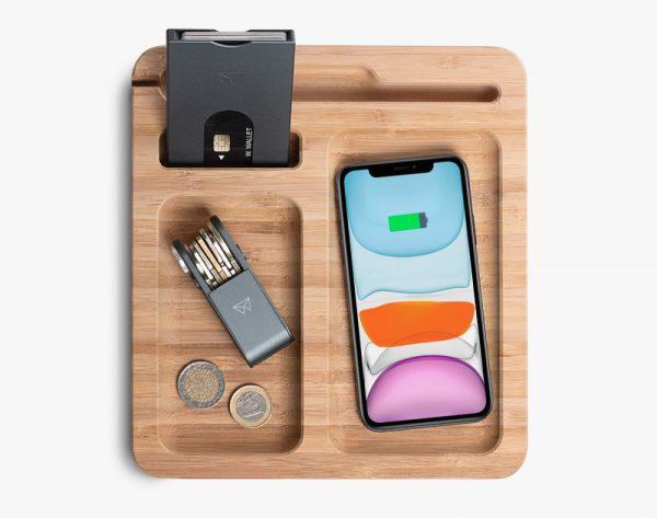 walter-bamboo-big-dock-met-wireless-charger-walter-wallet-hoesie