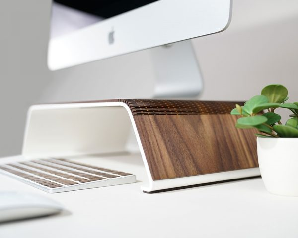 RAUW-monitor-stand-walnoot-hout-wood-design-hoesie.nl