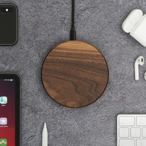 oakywood-slim-wireless-charger-walnut-wood-stainless-steel-natural-smartphone-charger-qi-hoesie.nl_